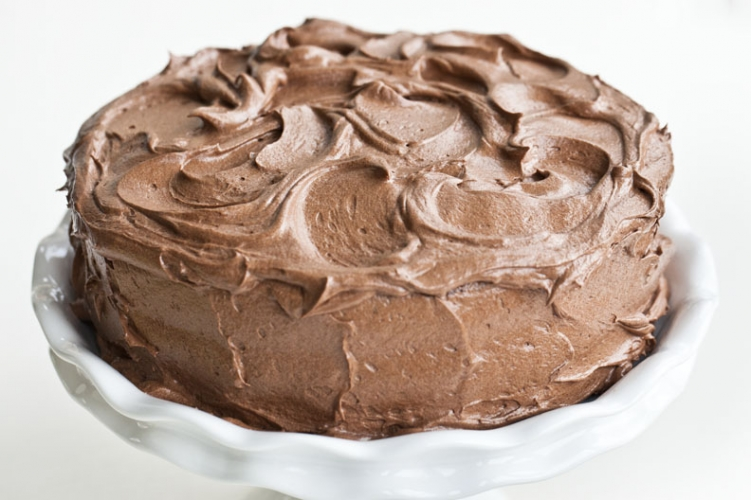 Classic Chocolate Layer Cake with Buttercream Icing » FreestyleFarm